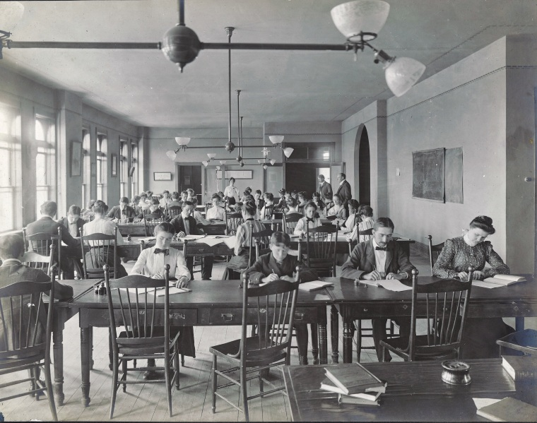 WBU Students in stenography class, c. 1905