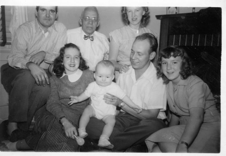 willisses late 40s - back Warren Appler W., Warren Keifer W., Dorothy Berger W., Sally W., Warren Allen W., Warren David W. and Nancy W.