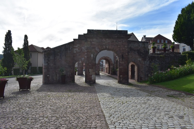 Gate at Old City of Bitsche rdcd